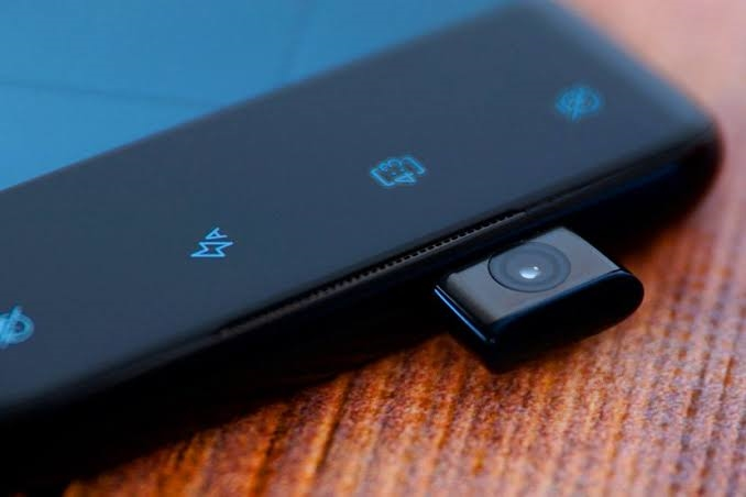 Motorola One Hyper Smartphone To Debut On December 3, Features Pop-Up Selfie Camera